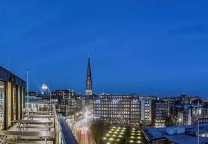 Coworkingspaces_Hamburg_Domplatz_Design_Offices_Ausblick_Standortslider